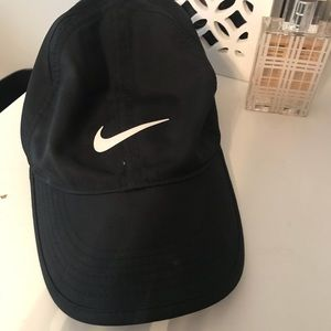 Black Nike hat baseball cap